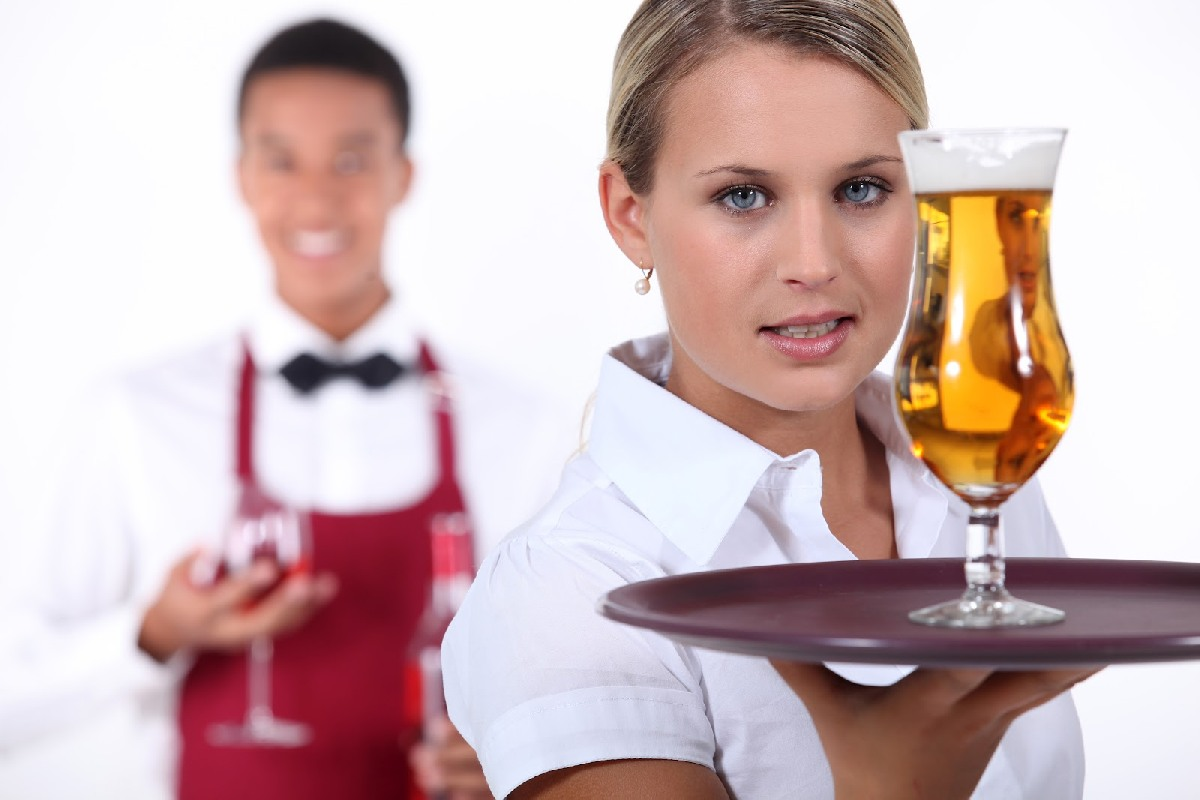 Bar waitress for work on Luxury passenger ships