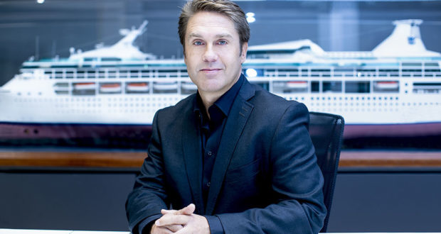 ASSISTANT CRUISE DIRECTOR FOR WORK ON BOARD LUXURY RIVER PASSENGER SHIPS