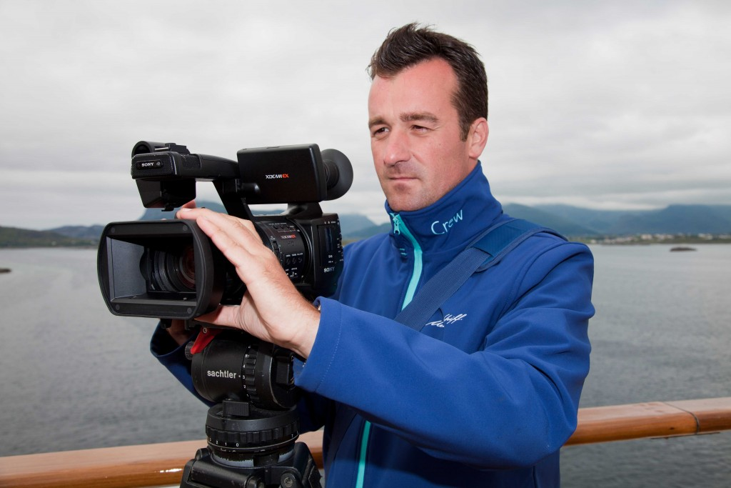 PHOTOGRAPHERS AND VIDEO OPERATORS FOR WORK ON BAORD LUXURY CRUISE PASSENGER SHIPS AND FERRIES WITH BRITISH AND AMERICAN GUESTS