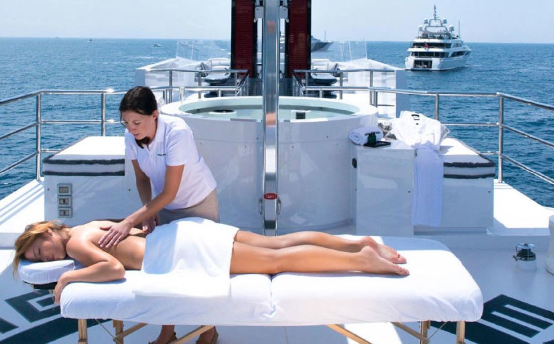 SPA Therapist Stewardess for luxury yacht Moonligh II