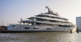 Yacht Service Stewardess for Luxury Private Yacht - over 100m.